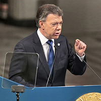 Juan Manuel Santos MC/MPA 1981 accepts Nobel Peace Prize